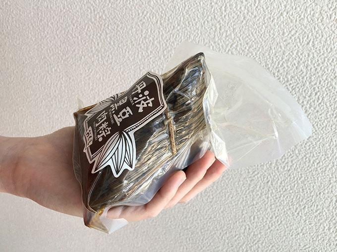 台南式丹波黒豆肉粽(ちまき)のサイズ感